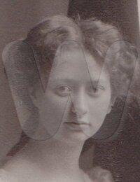 Signe Jolin 1887-1954 (2).jpg